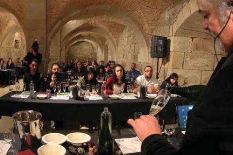 Luis Paadín recoge el título de cofrade de los vinos de Monterrei