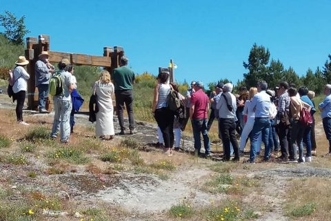 EXCURSIÓN A LOS LAGARES RUPESTRES DE GALICIA CON 40 ALUMNOS